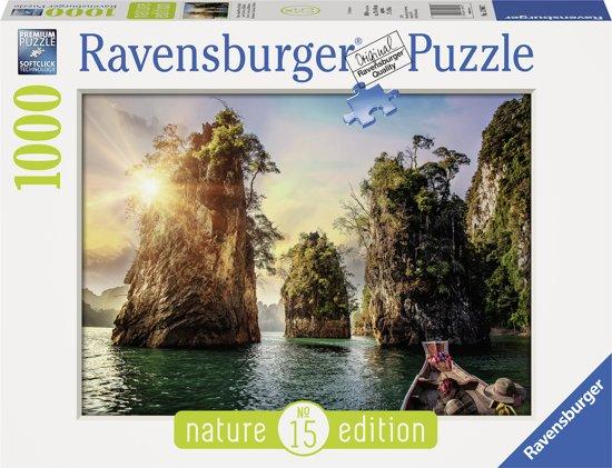 Ravensburger puzzel Three rocks in Cheow, Thailand - Legpuzzel - 1000 stukjes