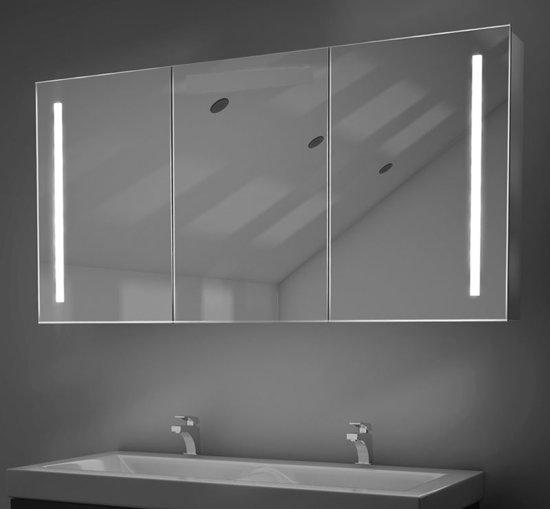 luxe 160 x 70 cm spiegelkast met praktische verlichting en handige spiegelverwarming