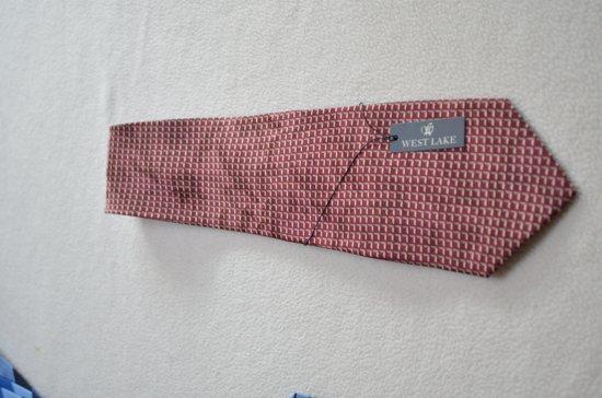 zijden stropdas, geweven met mooie structuur kleur bordeaux rood