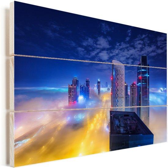 De hoogbouw Dubai steekt in de nacht boven de wolken uit Vurenhout met planken 30x20 cm - klein - Foto print op Hout (Wanddecoratie)
