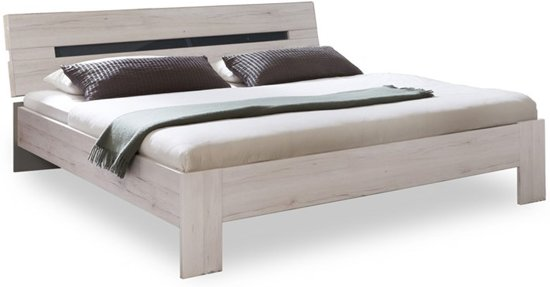 Basic bed Arillo met lattenbodems en matras