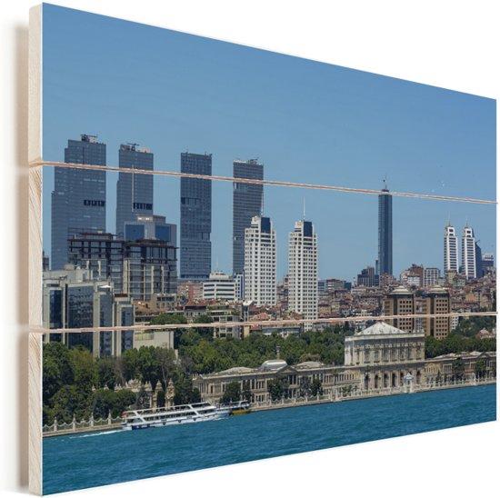 Blauw water en Istanbul op de achtergrond Vurenhout met planken 120x80 cm - Foto print op Hout (Wanddecoratie)