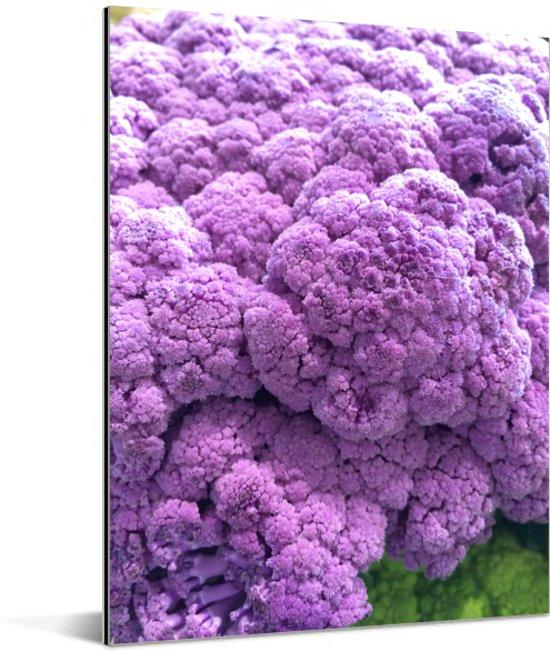 Een stapel van paarse broccoli's Aluminium 60x80 cm - Foto print op Aluminium (metaal wanddecoratie)