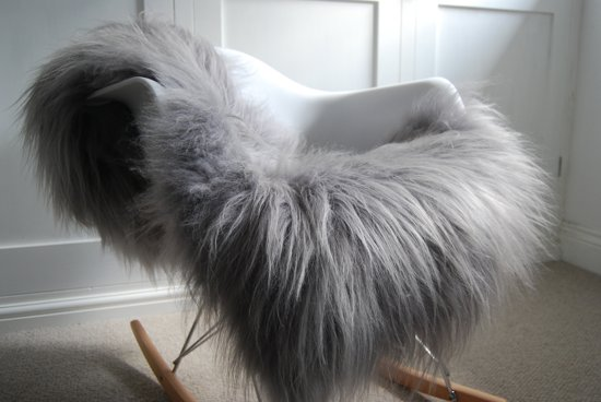 Schapenvacht Op Stoel : Bol schapenvachtje ijslandse schapenvacht zilver grijs