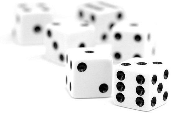 Afbeelding van het spel Dobbelstenen set a 6 stuks crème/wit