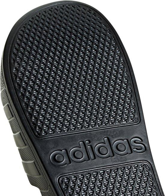 Zwart Aquaslippers 5 Adidas Adilette Maat 40 Unisex YwqR5qp