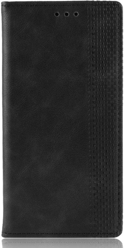 Mobigear Magnetic Buckle Retro Luxe Wallet Hoesje Zwart Motorola One Vision