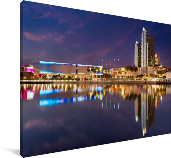 De stadsarchitectuur van Tampa gereflecteerd in de Hillsborough-Rivier Canvas 120x80 cm - Foto print op Canvas schilderij (Wanddecoratie woonkamer / slaapkamer)