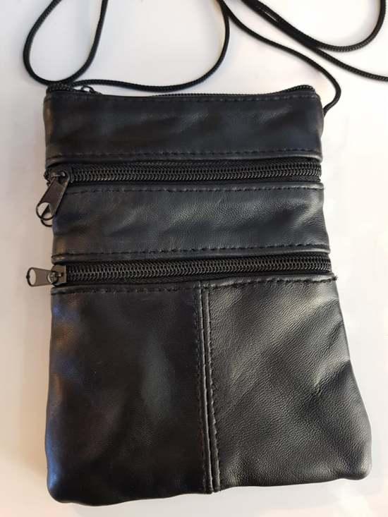 Kleine tas leer  met een lang touw nektas