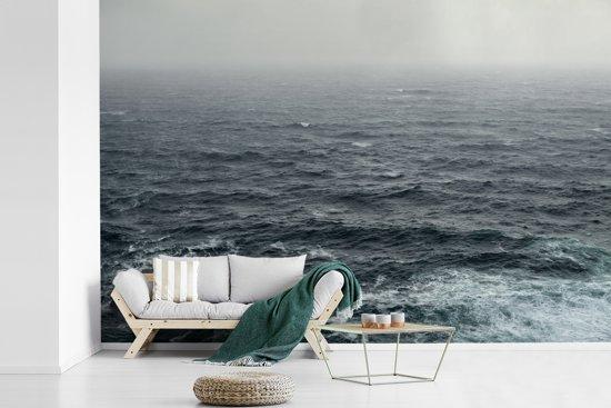 Fotobehang vinyl - Een ruige zee breedte 360 cm x hoogte 240 cm - Foto print op behang (in 7 formaten beschikbaar)
