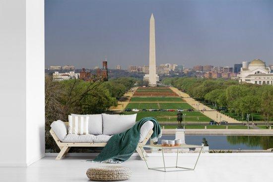 Fotobehang vinyl - De National Mall bij daglicht in Washington breedte 420 cm x hoogte 280 cm - Foto print op behang (in 7 formaten beschikbaar)