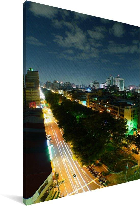 Luchtfoto van de Aziatische stad Taichung in de nacht Canvas 20x30 cm - klein - Foto print op Canvas schilderij (Wanddecoratie woonkamer / slaapkamer)