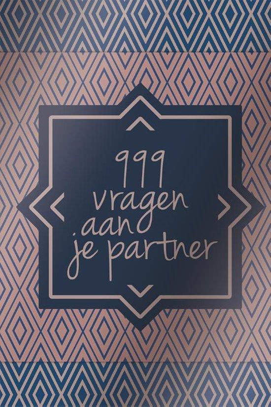 Boekomslag van '999 vragen aan je partner'