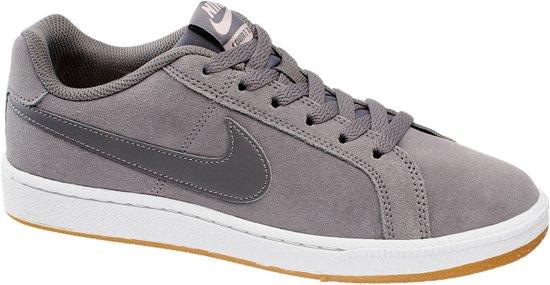 402bcdaa2 Nike Court Royal Suede Sneakers - Maat 39 - Vrouwen - grijs wit