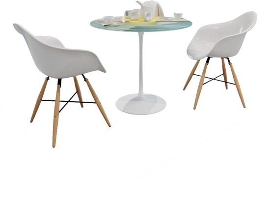 Eetkamerstoelen met armleuningen en poten van for Design eetkamerstoelen wit