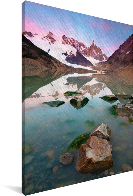 Uitzicht op de bergen van de Cerro Chaltén tijdens zonsopgang in Argentinië Canvas 90x140 cm - Foto print op Canvas schilderij (Wanddecoratie woonkamer / slaapkamer)