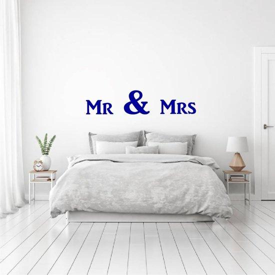 Muursticker Mr & Mrs -  Donkerblauw -  80 x 18 cm  - Muursticker4Sale