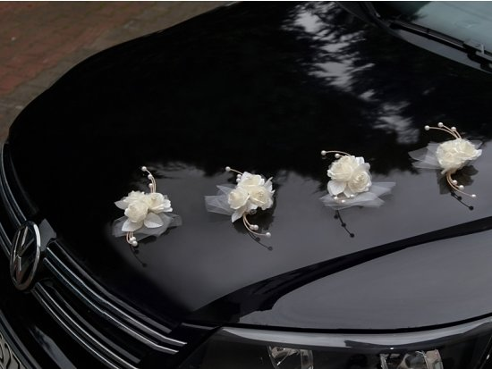 Trouwauto rozen met tule 4x
