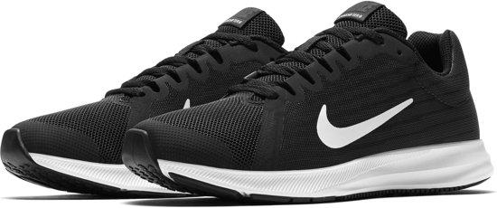 b08a65249de Nike Downshifter 8 (GS) Hardloopschoenen - Maat 38.5 - Unisex - zwart/wit