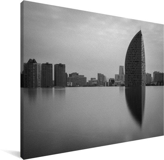 Zwart-wit foto Infinity pool voor de hoofdstad Baku in Azerbeidzjan Canvas 80x60 cm - Foto print op Canvas schilderij (Wanddecoratie woonkamer / slaapkamer)