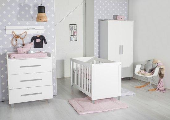 Cabino Babykamer Helsinki 3 Delige Ledikant Commode Kledingkast Wit