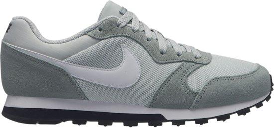 3c48087ea58 bol.com | Nike MD Runner 2 Sneakers Sneakers - Maat 40 - Vrouwen ...