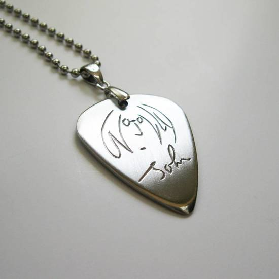 John Lennon The Beatles hand gegraveerde RVS plectrum ketting