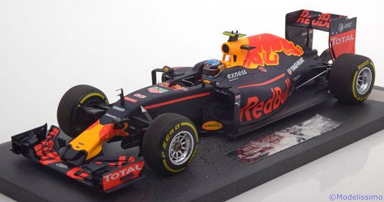Formule 1 Red Bull Racing TAG Heuer RB12 M. Verstappen 2016 - 1:18 - Minichamps