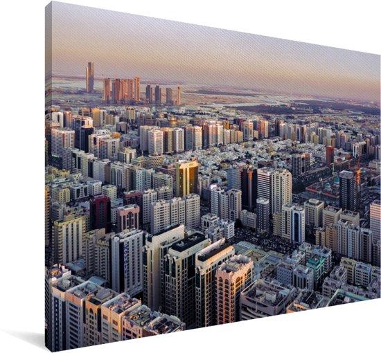 De stadshorizon van de stad van Abu Dhabi bij zonsondergang in Azië Canvas 120x80 cm - Foto print op Canvas schilderij (Wanddecoratie woonkamer / slaapkamer)