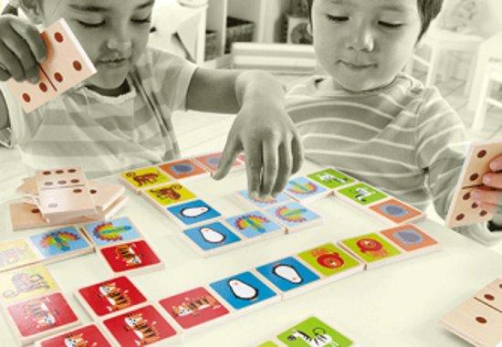 Afbeelding van het spel Hape Houten domino dieren