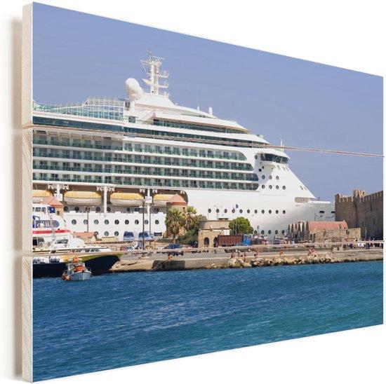 Een cruiseschip bij de Griekse haven Rhodos Vurenhout met planken 120x80 cm - Foto print op Hout (Wanddecoratie)