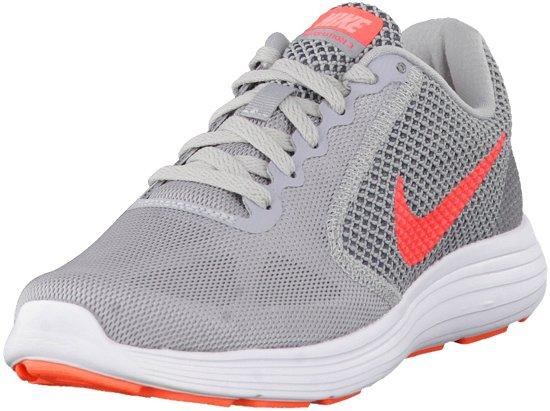 Nike Chaussures De Sport Révolution 3 Taille 385 Femmes Gris   Bleu