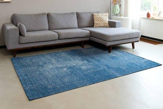 f248c3c5ffaaad Mace 37 - Vintage vloerkleed in Donkerblauwe kleurstelling