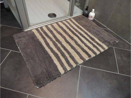 bol.com | Tapijt voor badkamer of hangtoilet 60x90cm