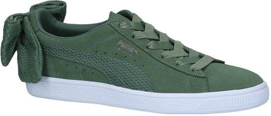 03a50b6735c bol.com | Puma Suede Bow Uprising Donker Groene Sneakers