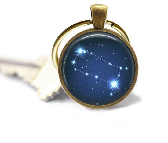 Sterrenbeeld sleutelhanger - Tweeling - astrologie een uniek cadeau voor mannen en vrouwen.