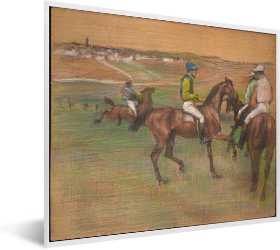 Foto in lijst - Race Horses - Schilderij van Edgar Degas fotolijst wit 50x40 cm - Poster in lijst (Wanddecoratie woonkamer / slaapkamer)