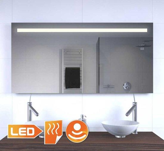 bol.com | Badkamer LED spiegel met stopcontact verwarming en ...