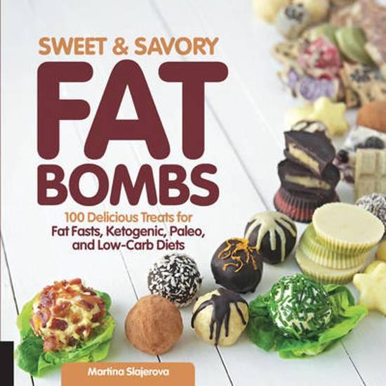 Boek cover Sweet and Savory Fat Bombs van Martina Slajerova (Paperback)