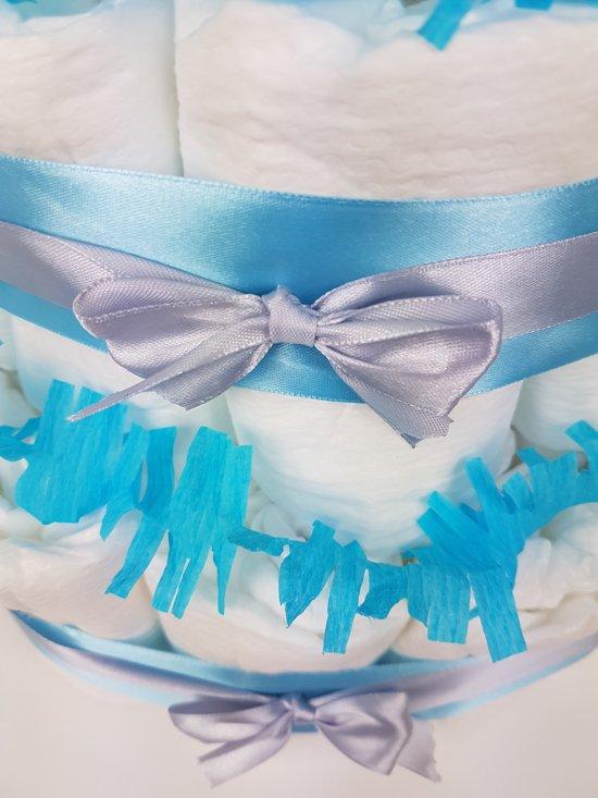 Luiertaart jongen 2-laags blauw | 19 A-merk Pampers | schattige sokjes | XL geboortekaart | ideaal voor babyshower, kraamcadeau en Baby cadeau