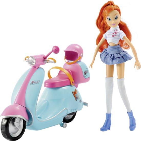 Winx Club Bloom en Scooter