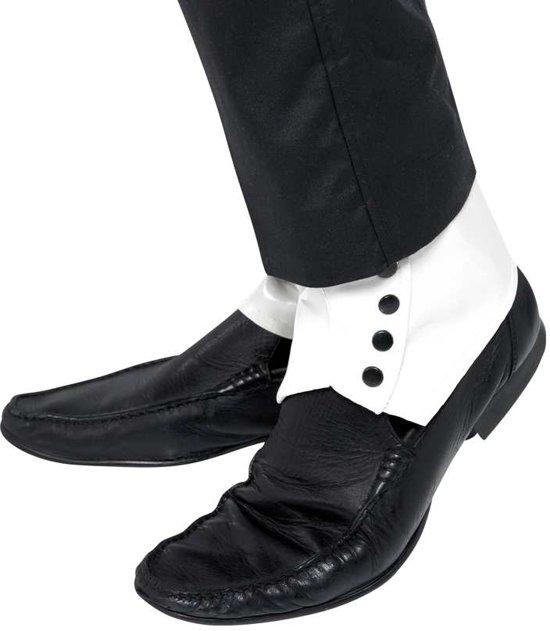 Schoenovertrekken wit met zwarte knopjes