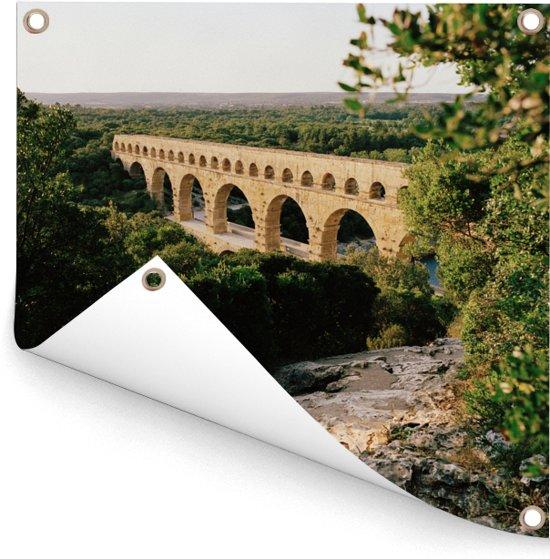 Groene bomen om de Pont du Gard heen Tuinposter 300x300 cm - Tuindoek / Buitencanvas / Schilderijen voor buiten (tuin decoratie) XXL / Groot formaat!
