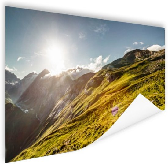 Grasrijk berggebied Poster 90x60 cm - Foto print op Poster (wanddecoratie woonkamer / slaapkamer)