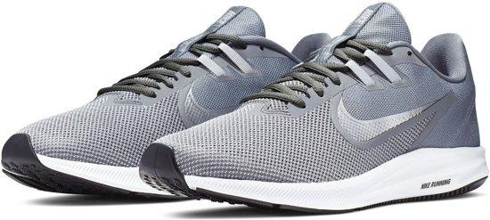Nike Downshifter 9 Sportschoenen - Maat 43 - Mannen - Grijs/wit