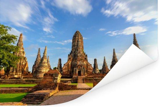 Mooi vooraanzicht van de tempel in Ayutthaya Poster 120x80 cm - Foto print op Poster (wanddecoratie woonkamer / slaapkamer)