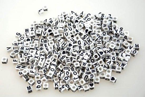 300 Letter Kralen van 5 mm