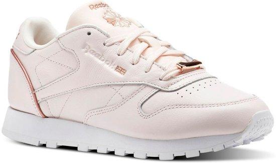 673a5205a97 bol.com | Reebok Sneakers Classic Leather Hw Dames Roze Maat 39