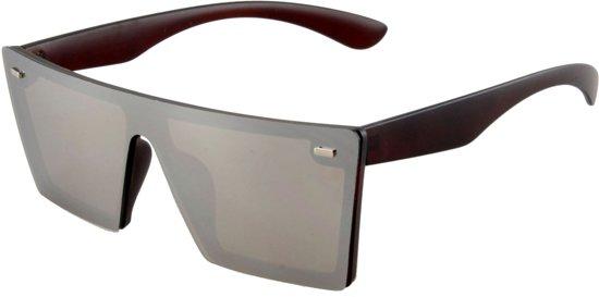 5c84953f9fddf0 Zonnebril met doorlopend donker glas en zwarte pootjes.