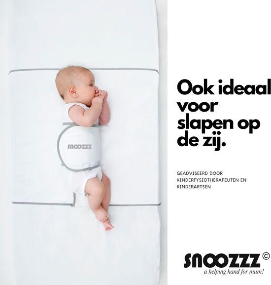 Snoozzz Slaapwikkel Regular – Inbakerdoek – Zijslaapkussen - Reflux hulpmiddel – Baby Slaaphulp voorkomt buikslapen voorkeurshouding afgeplat hoofdje  -  0+ maanden - Wit/Grijs – Katoen –Geschikt voor wiegmatras en ledikantmatras